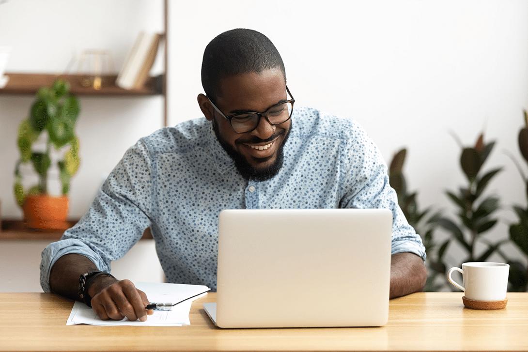 Man enjoying interactive online learning scenario
